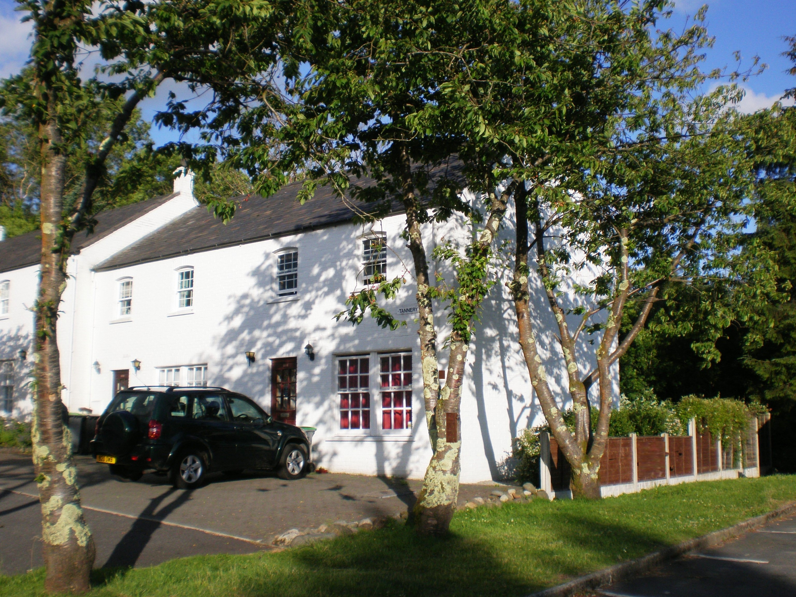 7 & 8 Tannery Brae with private parking at the door