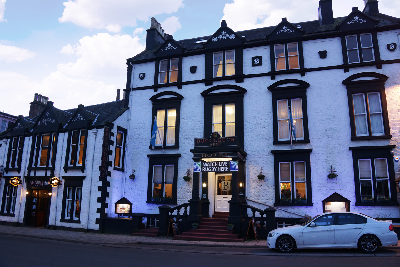 Buccleuch Arms Hotel - Frontal